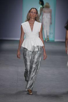 Aluf | São Paulo | N47 - Vogue | Desfiles Catwalk, Ideias Fashion, Jumpsuit, Vogue, My Style, Dresses, Overalls, Vestidos, Jumpsuits