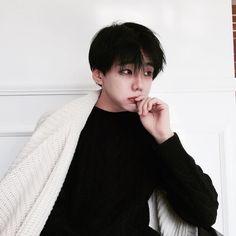 Photos and Videos Korean Boys Ulzzang, Cute Korean Boys, Ulzzang Couple, Korean Men, Asian Boys, Ulzzang Girl, Asian Men, Ulzzang Style, Beautiful Boys