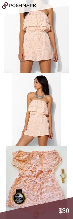 Urban Outfitters Pins and Needles romper Adorable strapless flowy romper from Urban Outfitters Pins and Needles. This romper is super cute with a flowy like fit and is great for comfort. Great piece to add to any wardrobe, pair it with your favorite sandals or sneakers and your ready to go! Size medium, in excellent condition. Urban Outfitters Pants Jumpsuits & Rompers