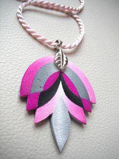 Polymer clay pendant by Cecilia Botton (Mabcrea)