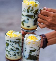 Coffee Drink Recipes, Coffee Menu, Indonesian Desserts, Indonesian Food, Cocktail Desserts, Dessert Drinks, Ice Cube Recipe, Oatmeal Breakfast Bars, Salmon Dishes