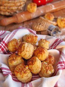 Az otthon ízei: Aranyló füstölt sajtos pogácsa Gabriellától Pretzel Bites, Deserts, Bread, Recipes, Food, Desserts, Meal, Food Recipes, Essen