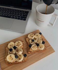 Healthy Breakfast Recipes, Healthy Snacks, Good Food, Yummy Food, Tasty, Think Food, Food Goals, Cafe Food, Aesthetic Food