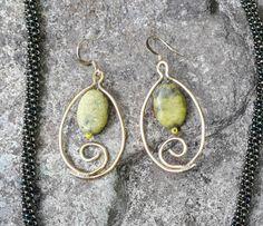 Fair Trade Guatemalan Stone and Handtwisted Wire Pendant Earrings Wire Pendant, Pendant Earrings, Drop Earrings, Stone Pendants, Fair Trade, Crystal Jewelry, Young Women, Jewlery, Glass Beads