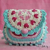 Heart purse - via Craftsy by Luz Patterns #crochetpattern