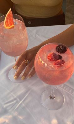Food N, Food And Drink, Bar Food, Think Food, Snacks Für Party, Aesthetic Food, Alcohol Aesthetic, Beige Aesthetic, Summer Aesthetic