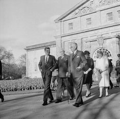 #JohnFKennedy visited Canada in May 1961. Here talking to #GG Georges Vanier and #PM John G. Diefenbaker