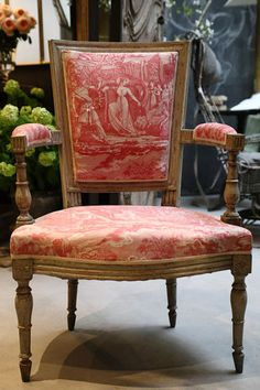LOVE the toile fabric