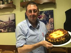Spain's Burnt Cheesecake Breaks All the Rules. And Lord, It's Good. Spain's Burnt Cheesecake Breaks All the Rules. And Lord, It's Good. Fun Desserts, Delicious Desserts, Dessert Recipes, A Food, Food And Drink, Tapas Menu, Slice Of Bread, Cheesecake Recipes, Family Meals