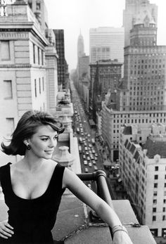 bergdorfprincess:  Natalie Wood on the upper terraces of the Sherry Netherland Hotel, Fifth Avenue at 59th Street, New York City, 1963