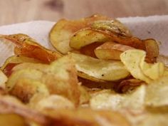 Homemade Black Pepper Potato Chips Recipe | Ree Drummond | Food Network