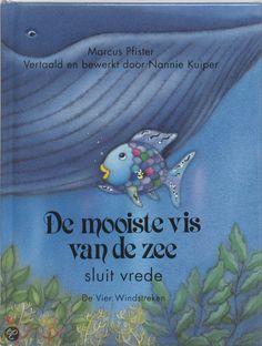 DE MOOISTE VIS VAN DE ZEE SLUIT VREDE - Marcus Pfister - 9789055796380 - € 15,95. Vanaf circa 3 jaar.  Regenboog, beter bekend als de mooiste vis van de zee, en zijn vrienden hebben het heel gezellig met elkaar. Er is gelukkig ook altijd meer dan genoeg te eten. Het water zit vol met piepkleine waterbeestjes. Hmmm, die zijn lekker! Als er een walvis opduikt, voelen de vissen zich niet meer veilig. BESTELLEN BIJ TOPBOOKS OF VERDER LEZEN? KLIK OP BOVENSTAANDE FOTO! Activities For Kids, Little Girls, School, Tips, Books, Projects, Livros, Log Projects, Toddler Girls
