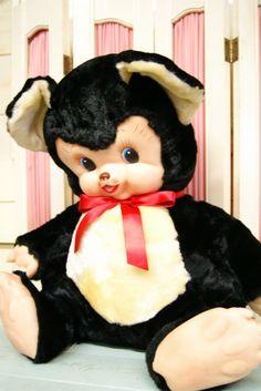 アメリカより入荷。Rushtonラシュトン社のラバーフェイス ドール♪ クリクリお目々の可愛らしいベアちゃん♪ChubbyTubby/チャビー・タビーです。どっしりとしたお座りした姿と愛くるしい表情の…