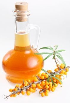 Sea buckthorn oil is extracted from plants of species from hippophae and it has a recent hype in the market.Here are some Benefits of Sea Buckthorn Seed Oil Herbal Oil, Oil Benefits, Health Benefits, Best Oils, Skin Food, Oils For Skin, Natural Treatments, Herbal Medicine, Fragrance
