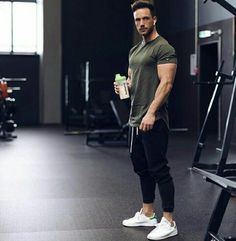 0deb081643200 Best Summer Gym And Workout Outfits For Men 27. Ropa Deportiva Para  HombreRopa Para GimnasioRopa De ...