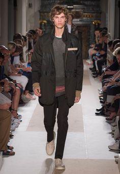 Valentino【ヴァレンティノ公式サイト】 メンズ 。最新コレクション、ファッショショー、アクセサリー他をご紹介-Valentino