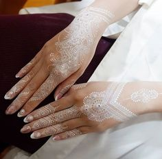 34 ideas bridal mehendi designs brides wedding mehndi for 2019 Henna Flower Designs, Wedding Henna Designs, Flower Henna, Wedding Mehndi, Beautiful Henna Designs, Henna Tattoo Designs, Gold Henna, White Henna, Henna Ink