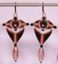 Chandelier Earrings – Chandelier earrings- Red and green – a unique product by DarkEyedJewels on DaWanda Etsy Earrings, Drop Earrings, Chandelier Earrings, Handmade Jewelry, Unique, Green, Hand Print Ornament, Dangle Earrings, Dangle Earrings