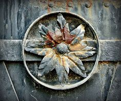 valscrapbook:  Iron flower by elinor04 mostly off on Flickr.