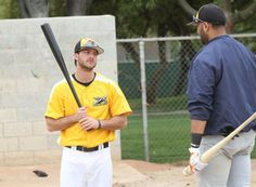 Near-deaf baseball player overcoming impairment to chase MLB dreams