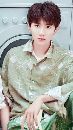 Yuan Asian Man Haircut, I Roy, Jackson Yi, Chinese Boy, Worldwide Handsome, Anime Chibi, Haircuts For Men, Hot Boys, Asian Men