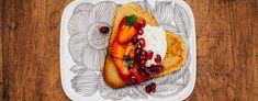 Blinien kanssa maistuu myös makea. Maistele jälkiruoaksi tai sen viimeisen blinin kanssa marinoituja mansikoita mascarponesitruunavaahdolla. Nam! Tacos, Mexican, Ethnic Recipes, Desserts, Food, Tailgate Desserts, Deserts, Essen, Postres