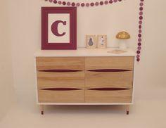 Mid century 6 drawers dresser wood, white and raspberry  http://uneideedanslacaboche.blogspot.ca/