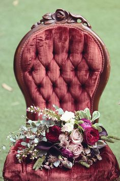 Styled Shoot: Vintage Rustic Elegance in Burgundy and Gold