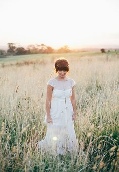 A YARRA VALLEY WEDDING: JESS   BRENTON - Anna Campbell Dress