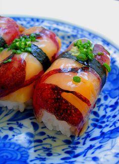 I think hotaru-ika is quite unusual for sushi.it was tasty though. Sushi Recipes, Asian Recipes, Cooking Recipes, Japanese Sushi, Japanese Dishes, Jai Faim, Onigirazu, Sashimi Sushi, Sushi Love
