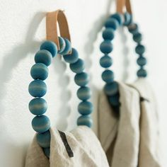 DIY Towel Ring with wood beads and a leather hanger. DIY Towel Ring with wood beads and a leather hanger. Bead Crafts, Diy Crafts, Spoon Fork Bacon, Painted Rug, Spoon Rings, Fork Ring, Towel Rings, Diy Coasters, Beaded Garland