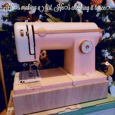 ...the @sizzix Stitch Happy is coming to town. #stitching #happy #diy #christmas #xmas #stitch #santaclaus #gift #geschenksidee #weihnachten #sizzix #vintage #retro #pink