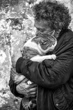 Women aren't the only ones that can be crazy cat people. Men can love cats, too. And they should - cats are brilliant. Fighting back against the crazy cat lady. Crazy Cat Lady, Crazy Cats, I Love Cats, Cute Cats, Animals And Pets, Cute Animals, Men With Cats, Cat Whisperer, Gatos Cats