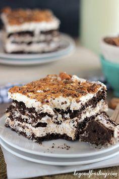 """Pastel de """"Butterfinger"""" refrigerado:   27 deliciosos pasteles refrigerados que no necesitan hornearse"""