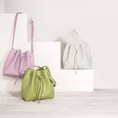 Lancaster purse For other models, you can visit the category. For more ideas, please visit … Lancaster, Bucket Bag, Fashion Outfits, Purses, Shopping, Set Design, Trends, Models, Google
