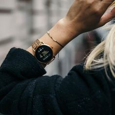 The Ultimate Gift Guide For The Modern Woman Ideas!) The Ultimate Gift Guide For The Modern Woman Ideas!) // A smart watch with a city chic look will help keep track of all of her notifications, keep her on time, and make her busy life that much mo Stylish Watches, Cool Watches, Watches For Men, Women's Watches, Cheap Watches, City Chic, Color Mate, Watches Photography, Swiss Army Watches