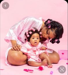 Mommy Daughter Pictures, Mother Daughter Outfits, Future Daughter, Mommy Daughter Photography, Baby Girl Photography, Black Baby Girls, Cute Black Babies, Baby Girl Photos, Cute Baby Pictures