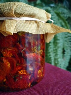 Mis recetas de cocina: TOMATES SECOS EN ACEITE DE OLIVA AROMATIZADO Red Vegetables, Fruits And Veggies, Chutney, Canning Pickles, Snack Recipes, Cooking Recipes, Snacks, Preserving Food, Vegan Friendly