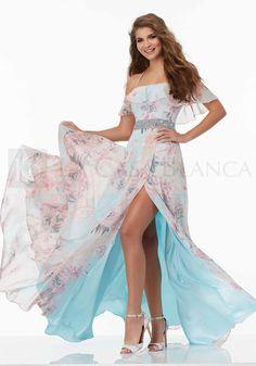 ¡Lo español con vuelos y mucho movimiento es lo que se viene el 2018! este modelo resalta toda esa cultura tan bella de bailadora de flamenco. Un modelo de Mori Lee 2017 ideal para damas de honor y fiestas ¿Les gusta?   #Novias #Wedding #Love #Marriage #LCB #Gala #Princesa #Princess #Dress #Sueño #Vsco #Vscocam #Happy #Brides #Groom #Estilo #Tendencia #Moda #Love #HappyDay #Eldíamásimportante #AmorEterno