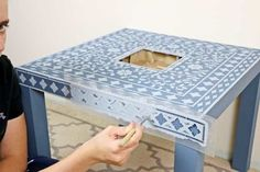 Want to step up your DIY home décor game? Inspired by Nifty, we have the perfect DIY stencil project that won't break the bank! Using an inlay stencil… Lack Table Hack, Ikea Table Hack, Diy Table, Ikea Lack Hack, Ikea Hacks, Stencil Diy, Stencils, Stencil Table, Furniture Stencil