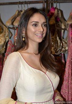 Aditi Rao Hydari looking gorgeous in a deep neck white blouse designer anarkali by Monica & Karishma of Jade. via Voompla.com