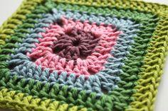 http://www.cherryheartcrochet.co.uk/2014/04/solid-granny-square.html