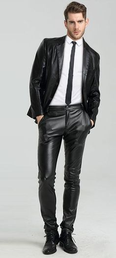 Men in leather pants Mens Leather Coats, Leather Jeans, Black Leather, Leather Jacket, Leather Fashion, Men's Fashion, Leder Outfits, Hommes Sexy, Stylish Men