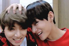 adorable ^.^ i love how jungkookies hair moves taes
