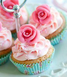 Csodaszép cupcake-variációk | femina.hu Paint Chips, All The Colors, Color Combos, Muffin, Cupcakes, Tasty, Healthy, Grande, Food