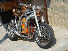 Suzuki Motorcycle, Motorcycle Design, Cafe Racers, Street Fighter, Custom Bikes, Motorbikes, Toyota, Motorcycles, Frames