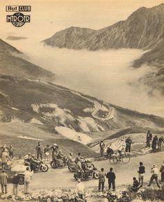 Tour de France 1952. 18^Tappa, 14 luglio. Bagnères-de-Bigorre > Pau. Col du Tourmalet. Si volge all'indietro Fausto Coppi (1919-1960), alla ricerca degli avversari. Ma non si vede nessuno... [Le Miroir des Sports. L'Histoire du Tour '52]
