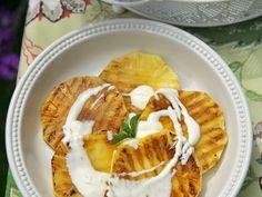 Gegrillte Ananas mit Weinschaumsauce ist ein Rezept mit frischen Zutaten aus der Kategorie Südfrucht. Probieren Sie dieses und weitere Rezepte von EAT SMARTER!