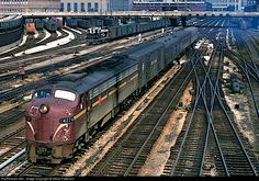 RailPictures.Net Photo: PC 4274 Penn Central EMD E8(A) at Chicago, Illinois by Steve Patterson
