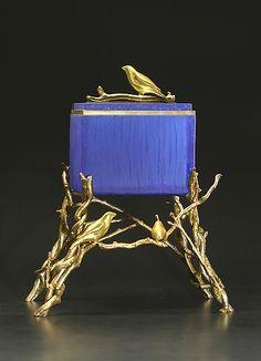 Blue Finch Box: Georgia Pozycinski and Joseph Pozycinski: Art Glass & Bronze Sculpture - Artful Home Bronze Sculpture, Sculpture Art, Contemporary Art Forms, Art And Craft Shows, Blue Art, Green Art, Jade Green, Cast Glass, Antique Boxes